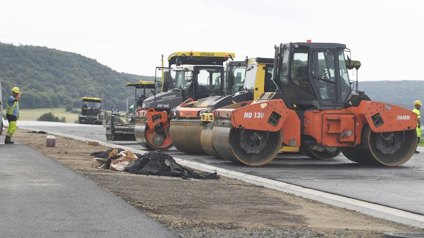 výstavba diaľnic