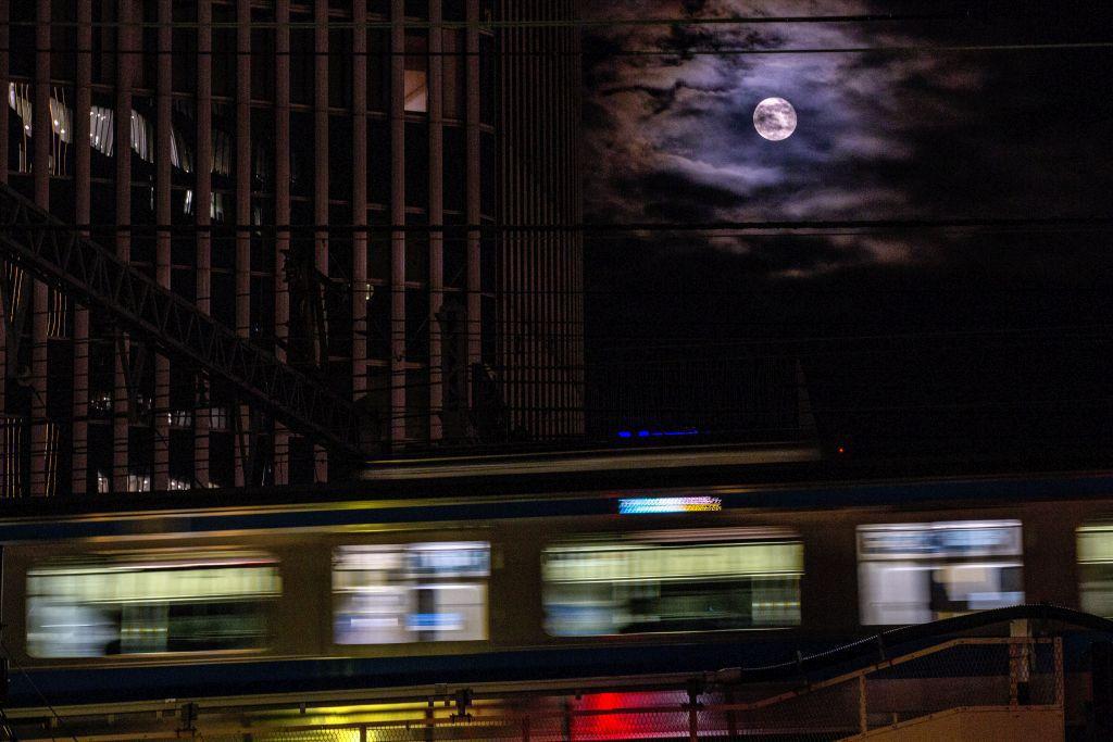 Mesiac, metro, noc, tma, doprava, vlak,