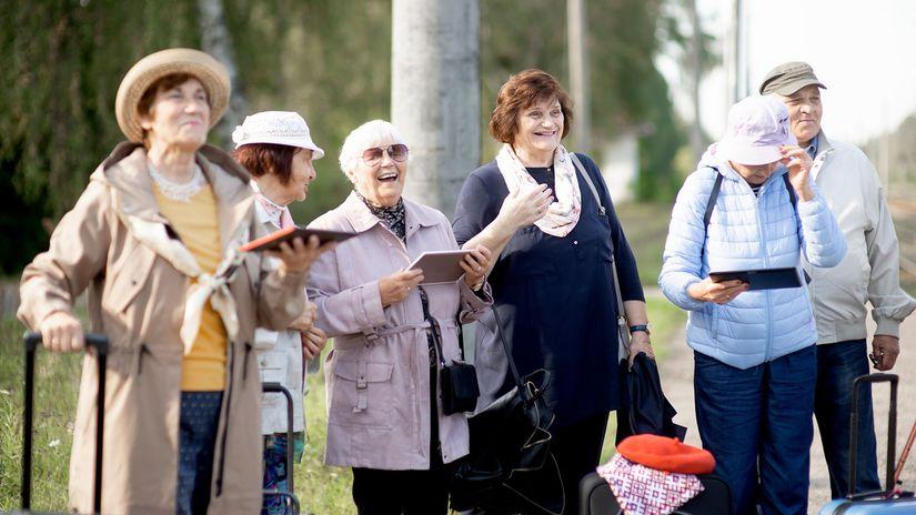 seniori, výlet, radosť, cestovanie