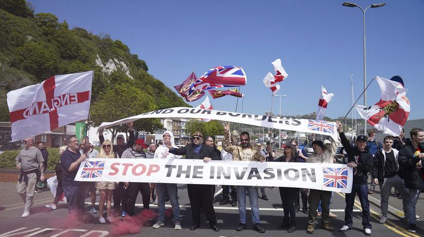 Británia, Dover, protest