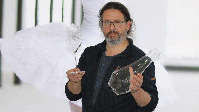 RONA Lednické Rovne, Patrik Illo, dizajnér
