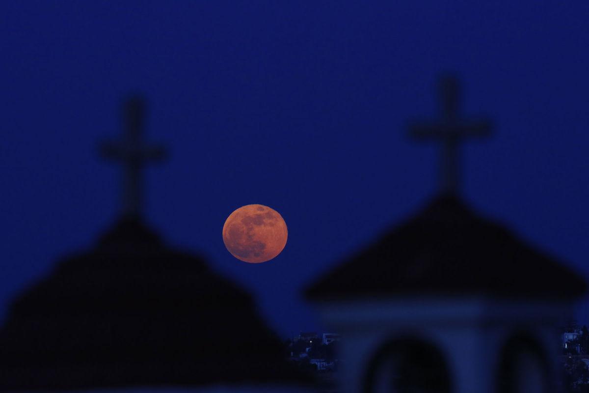 Cyprus, spln, Mesiac
