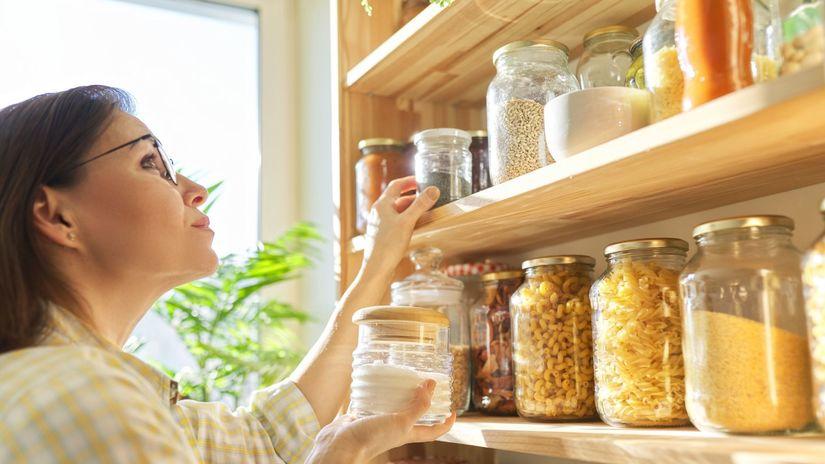 jedlo, skladovanie potravín, komora, špajza
