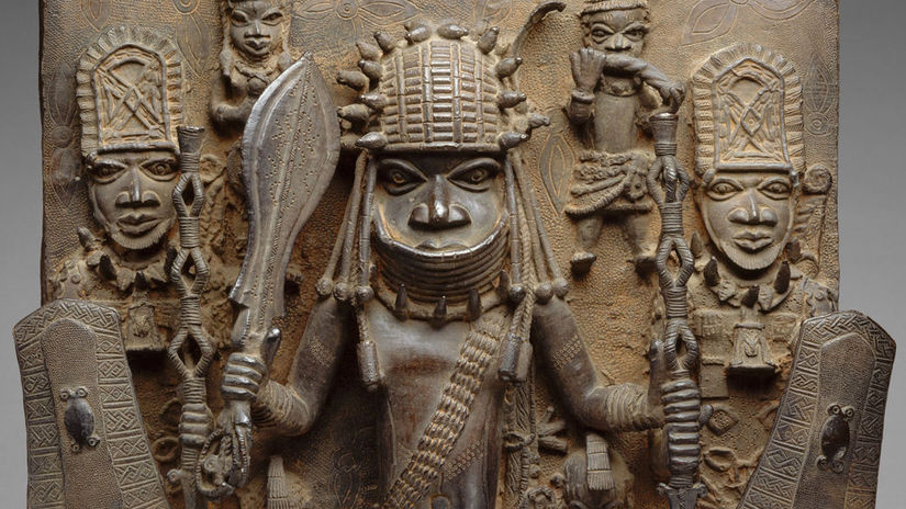PLAQUE WARRIOR AND ATTENDANTS, 16th-17th c.,...