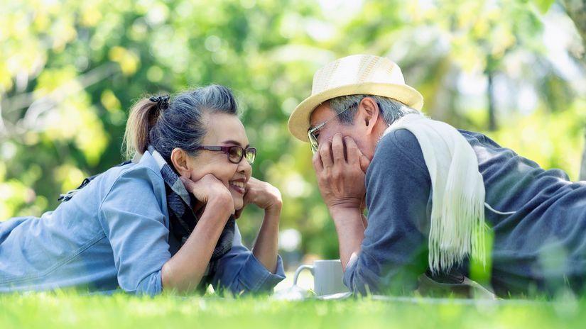 oddych, úsmev, seniori, manželia
