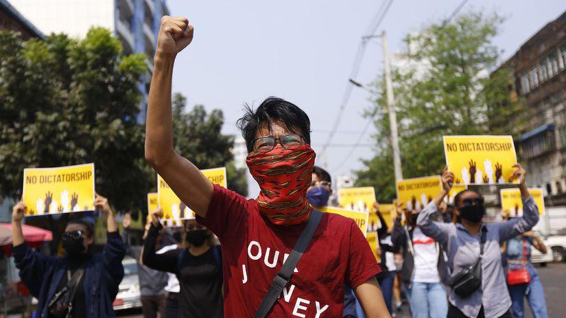 Myanmar Journalists Convicted
