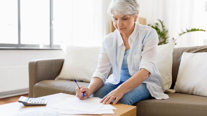 žena, dôchodkyňa, písanie, pracujúci penzisti