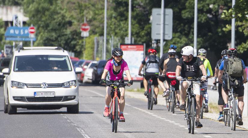cyklisti, bicykel,