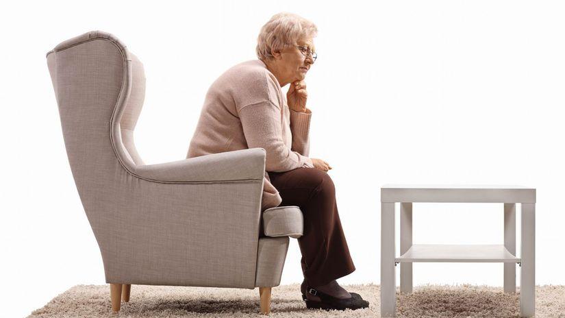 žena, dôchodkyňa, babka, smútok, nuda, rozmýšľanie