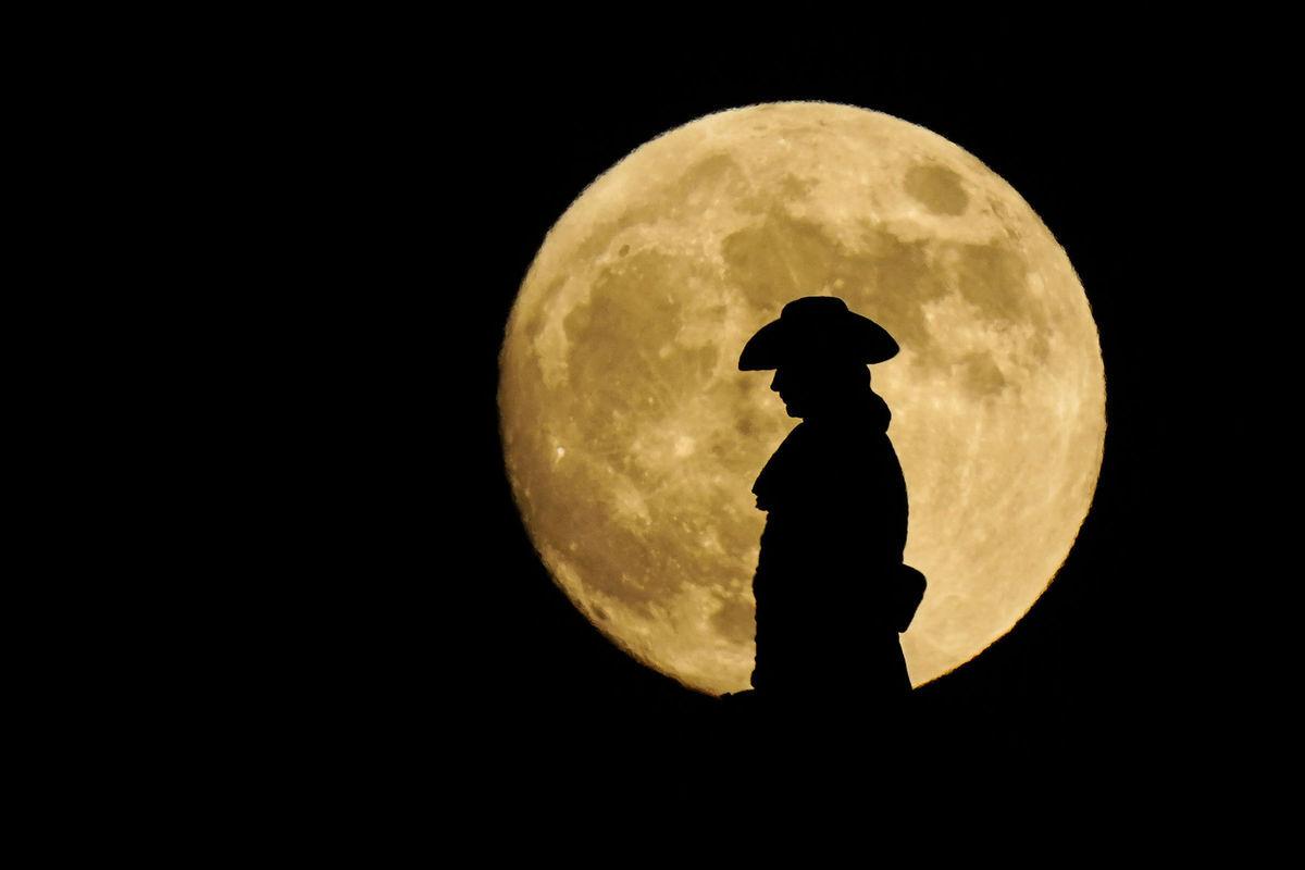 Pennsylvania, Mesiac, noc, socha