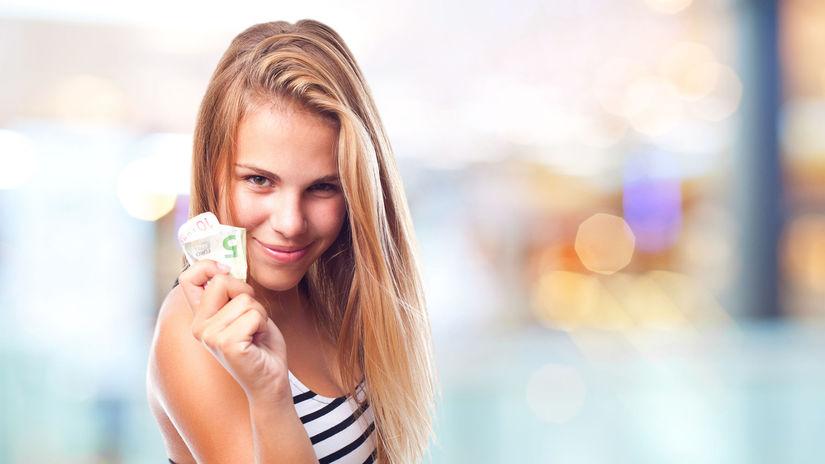 žena, bankovky, peniaze, úsmev