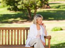 žena, lavička, park, rozmýšľanie