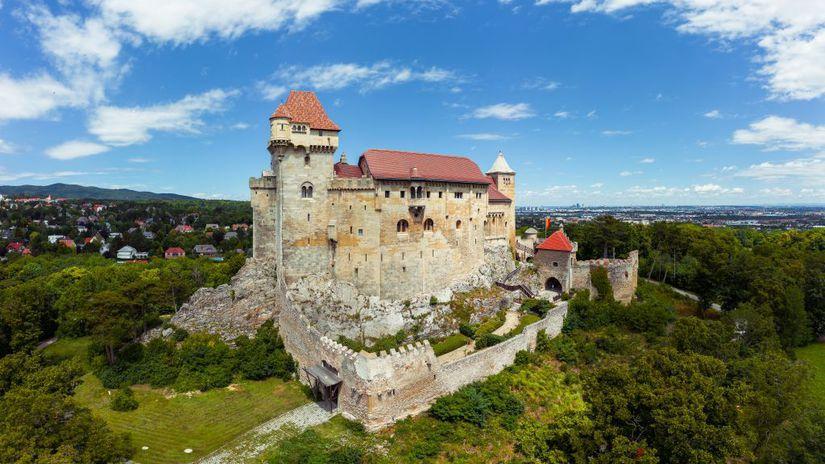 hrad Liechtenstein, Rakúsko