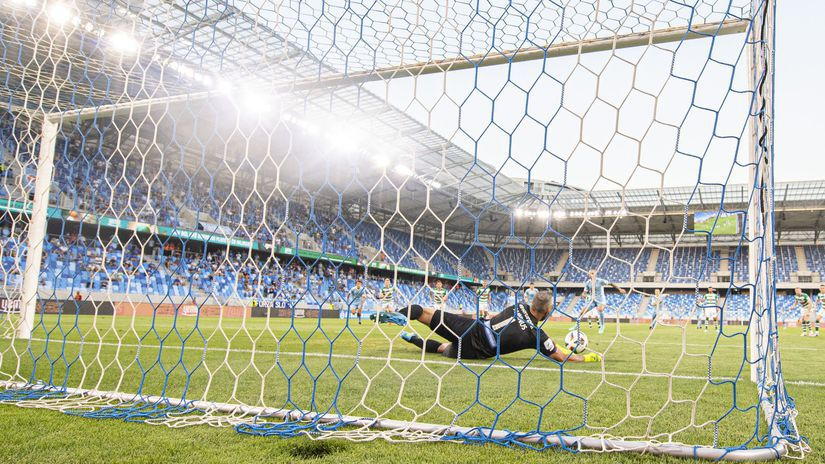 SR Futbal LM 1.predkolo Slovan Shamrock BAX