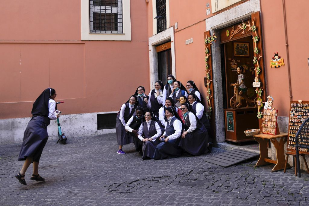Taliansko, sestričky, rehoľa,