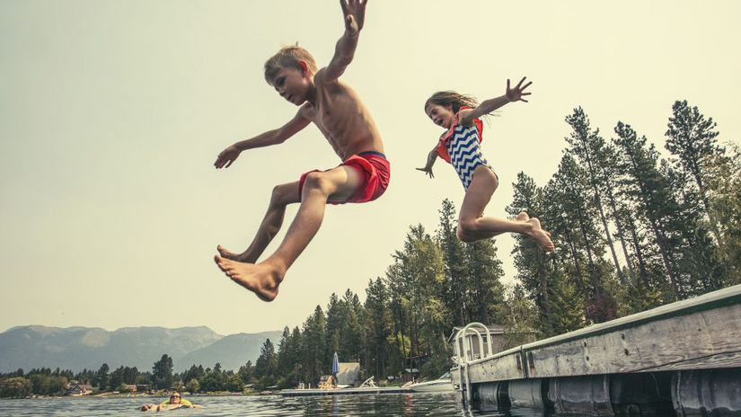 dovolenka, jazero, kúpanie, deti, skákanie do...