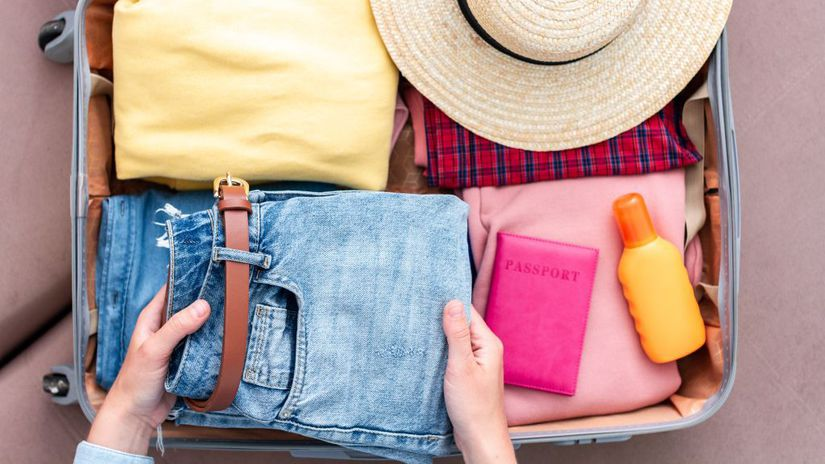 dovolenka, kufor, balenie, oblečenie, pas,...