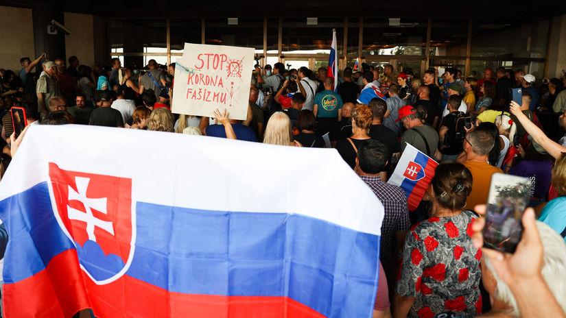 Protest / Demonštrácia / NR SR / Národná rada /...