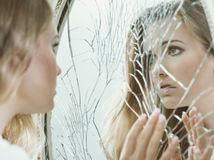 rozbite zrkadlo  zrkadlo
