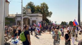 protest pred parlamentom