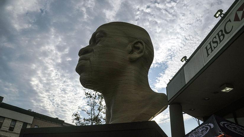 USA New York Floyd socha postriekaná premiestnenie
