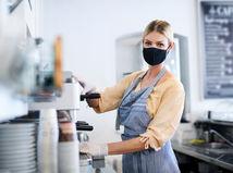žena, kávovar, práca, rúško