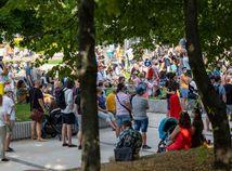 Stovky ľudí vyjadrili v Bratislave podporu očkovaniu