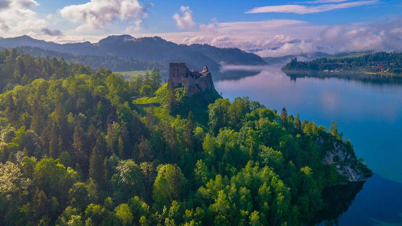 hrad Čorštýn, Čorštýnske jazero