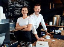 kaviareň, čašníci, kolegovia, tím, úsmev, práca, zamestnanci, podnikanie, SZČO