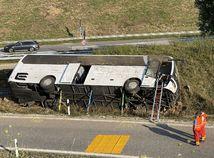 nehoda autobus diaľnica nemecko