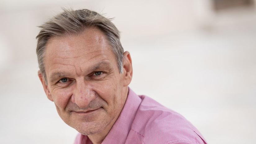 Didier Rogasik, atašé