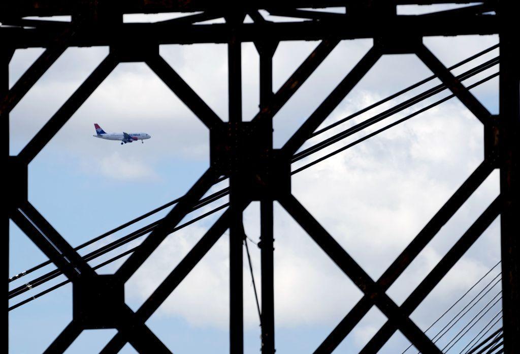 lietadlo, letisko, Air Serbia