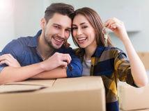 manželia, kľúče, darovanie, predaj, prenájom