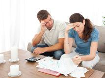 manželia, starosti, problémy, dlh, papiere