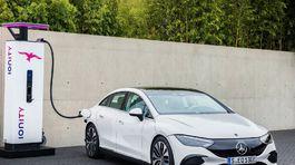 Mercedes-Benz EQE - 2022