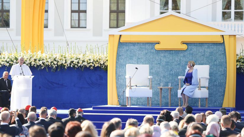 Pápež František / Zuzana Čaputová /