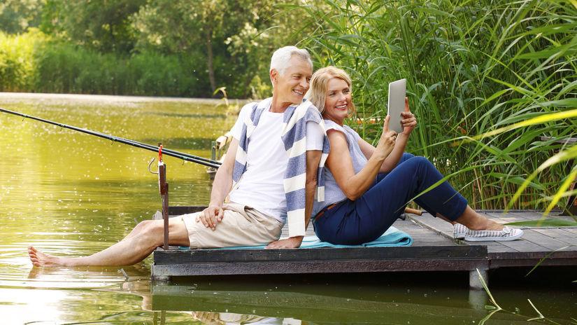seniori, manželia, príroda, oddych, mólo, jazero