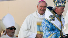 bezák, pápež