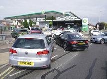 Británia, benzín, nafta, pumpa, čerpacia stanica