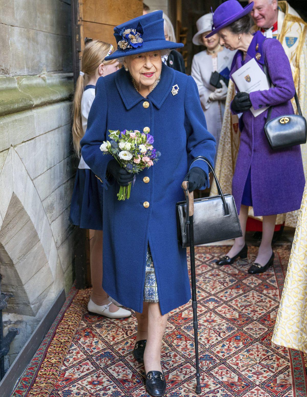 Británia kráľovná Alžbeta II. palica použitie