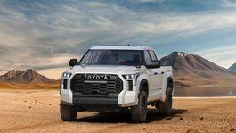 2022 Toyota Tundra Front-Quarter 035-1500x934