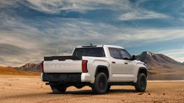 2022 Toyota Tundra Front-Quarter 036-1500x844